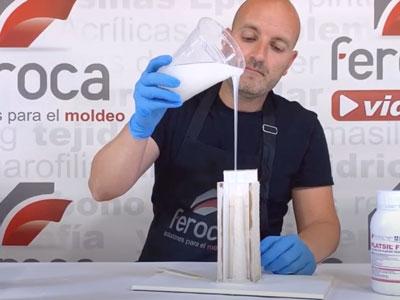 Vertido silicona irrompible en el contramolde